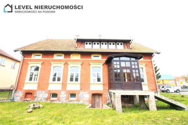 Odnowiony XIX wieczny budynek