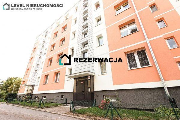 Poszukiwane mieszkanie trzypokojowe na pierwszym piętrze
