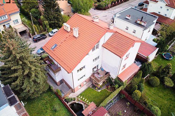 Duży wyremontowany dom